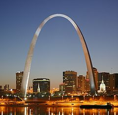 240px-St_Louis_night_expblend_cropped[1]